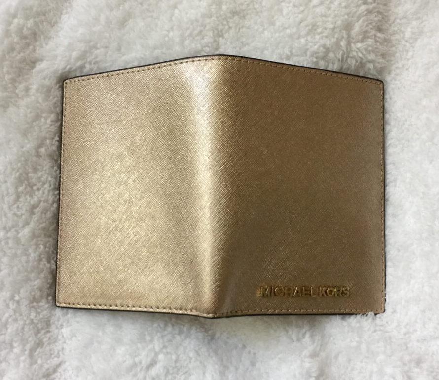 michaelkors-passport-wallet-gold-saffiano-back