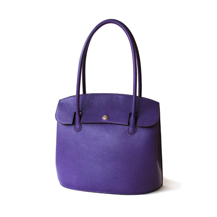 Bea Bag in cassis french grain calf