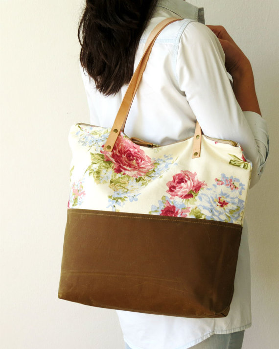 Floral tote body