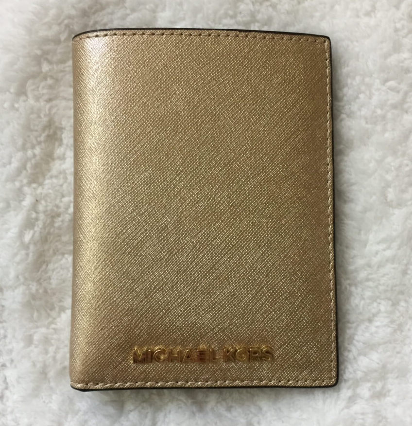 michaelkors-passport-wallet-gold-saffiano-front1