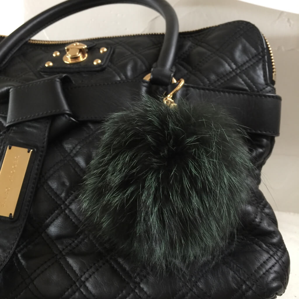 michaelkors-pompom-green-fox-fur-bag-charm-marc-jacobs1