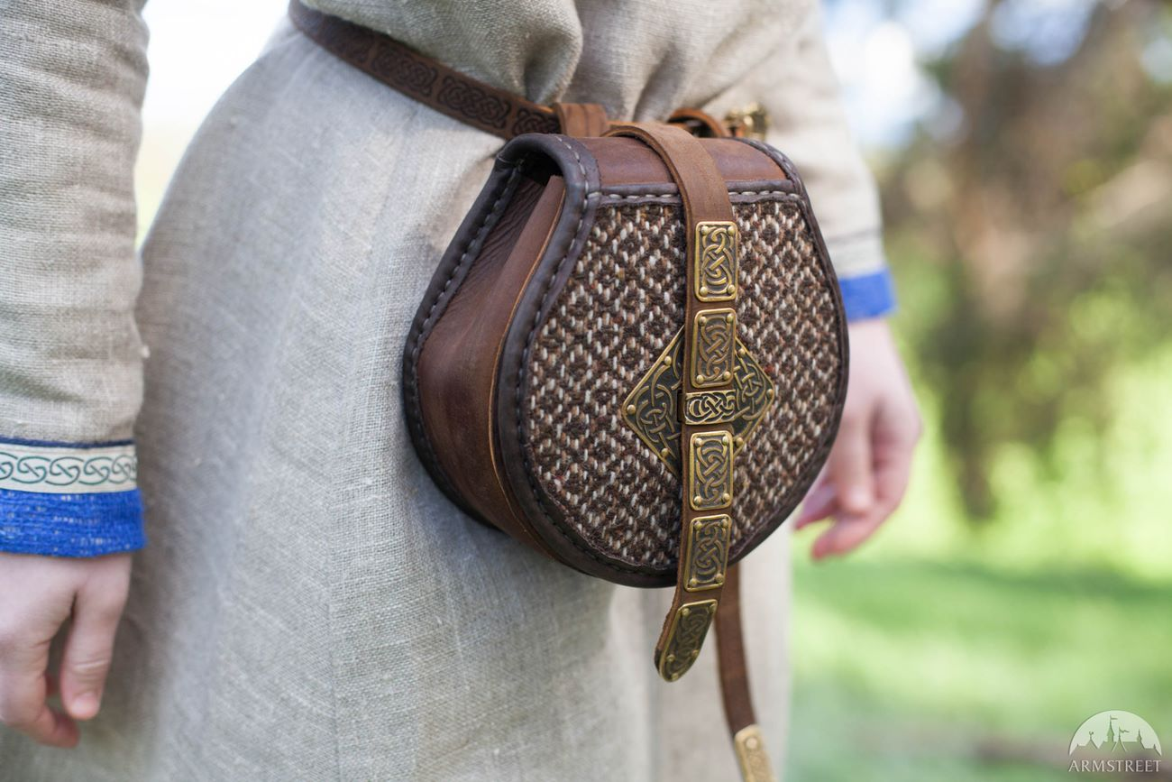 medieval girdle pouch