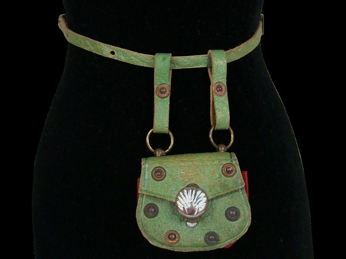 14th century waist purse